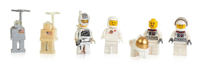 Early prototypes, first and more recent space minifigures-2